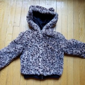 Girl's cat and Jack for for leopard put in bomber